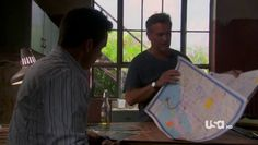 """Burn Notice 4x12 """"Guilty as Charged"""" - Michael Westen (Jeffrey Donovan) & Sam Axe (Bruce Campbell)"""