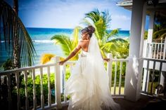 Fashion Friday: The Best Wedding Gowns Featured on Munaluchi Bride in 2015