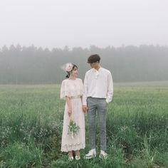 Foto Wedding, Wedding Shoot, Wedding Couples, Wedding Pictures, Cute Couples, Korean Wedding Photography, Couple Photography Poses, Pre Wedding Poses, Pre Wedding Photoshoot