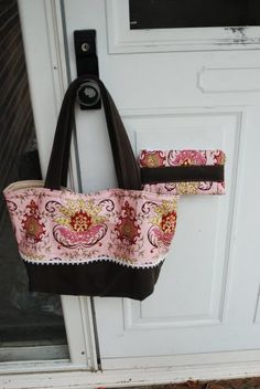 Crafts reDesigned: Another bag? ! ? . . . . let's call it a purse