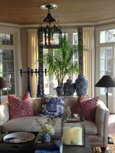 ..  (the only thing I'd change here is the zebra pillows---I'd stick with an authentic look, black and white)