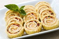 Pinwheel sandwiches are convenient make-ahead finger foods. Pinwheel Sandwiches, Appetizer Sandwiches, Mini Sandwiches, No Cook Appetizers, Appetizers For Party, Appetizer Recipes, Appetizer Dishes, Appetizer Ideas, Party Snacks