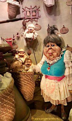 De Efteling, largest theme park in the Netherlands South Holland, Dutch Artists, My Heritage, Delft, Home Art, Art Dolls, Disneyland, Fairy Tales, Anton Pieck