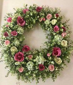 roses garden care hydrangea garden care Mini Roses and Hydrangeas Summer Door Wreaths, Easter Wreaths, Holiday Wreaths, Sunflower Wreaths, Floral Wreaths, Mini Roses, Funeral Flowers, Diy Wreath, Wreath Ideas