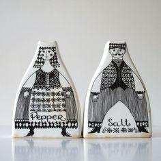 FIGGJO Flint Norway Salt & Pepper Shakers White Black