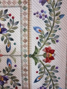 Queenie's Needlework: Tokyo International Great Quilt Festival 2015 - 2 Flowers
