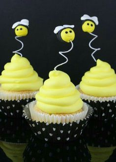 #cupcakes #bees