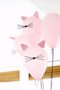 Kitty Cat Birthday Party with cat balloons Kitten Party, Birthday Party Themes, Cat Birthday Parties, Birthday Crafts, Birthday Kitty, Funny Birthday, Birthday Party Decorations Diy, Birthday Balloons, Balloon Decorations