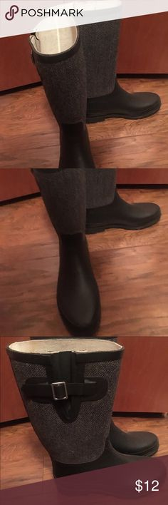 Merona Rain Boots Black & houndstooth grey pattern rain boots. Gently used size 8 Merona Shoes Winter & Rain Boots