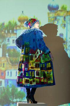 Manteau tricoté à la main de HUNDERTWASSER bleu par annalesnikova