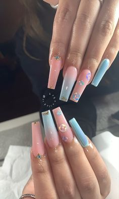 In look for some nail designs and ideas for your nails? Here is our set of must-try coffin acrylic nails for trendy women. Gorgeous Nails, Perfect Nails, Pretty Nails, Summer Acrylic Nails, Best Acrylic Nails, Acrylic Nails With Design, Acrylic Nails Coffin Pink, Pastel Nails, Nail Swag