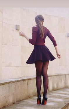 Mode Outfits, Sexy Outfits, Girl Outfits, Pleated Mini Skirt, Mini Skirts, Skater Skirt, Pantyhose Outfits, Cute Girl Dresses, Jolie Lingerie
