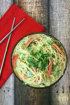 Clean Eating Vegan Gluten-Free Kelp Noodles with Spicy Peanut Sauce...ready to eat in less than 10 minutes and it's vegan, gluten-free and dairy-free | The Healthy Family and Home | #vegan #glutenfree #cleaneating #kelpnoodles #meatlessmonday