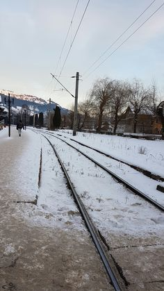 #travel Railroad Tracks, My Photos, Awesome, Travel, Outdoor, Outdoors, Viajes, Destinations, Traveling
