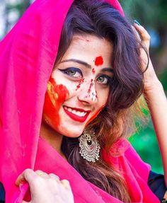 Indian Photoshoot, Saree Photoshoot, Beautiful Girl In India, Beautiful Girl Photo, Beautiful Women, Cute Girl Pic, Cute Girl Poses, Beautiful Bollywood Actress, Beautiful Indian Actress
