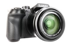 At less than £500, the Panasonic Lumix FZ300 (or FZ330 in the UK) is the best 4K camera that you can buy. Read more to find out why.