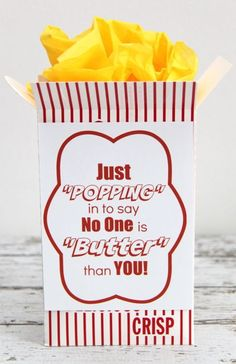 Movie Night Popcorn and Candy gift idea with Redbox gift certificates. FREE Printable label to place on popcorn box or bucket. Employee Appreciation Gifts, Volunteer Appreciation, Teacher Appreciation Week, Volunteer Gifts, Employee Gifts, Staff Gifts, Teacher Gifts, Teacher Treats, Student Teacher