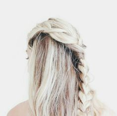 Uploaded by KiriKu. Find images and videos about pretty, hair and blonde on We Heart It - the app to get lost in what you love. Hair Inspo, Hair Inspiration, Character Inspiration, Jandy Nelson, Before And After Weightloss, Hair Day, Pretty Hairstyles, Unique Hairstyles, Black Hairstyles