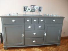 Buffet liatorp remis au goût du jour - APRES - Votre meuble IKEA customisé et relooké Liatorp, Ikea Markor, Buffet, Rustic Industrial, Home Staging, Double Vanity, Painted Furniture, Dining Room, Cabinet