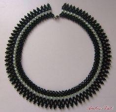 A M B R U S V A L I - 8. Népi, Népies nyakláncok - Fekete - Zöld tászli variáció
