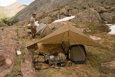 Bushcraft Kit, Bushcraft Camping, Camping Survival, Outdoor Survival, Survival Gear, Camping Hacks, Ultralight Backpacking, Camping Tarp, Outdoor Camping