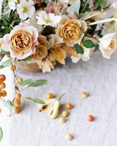 mature fall color palette, with dusty yellow and apricot hues from @soilandstem Yellow Flowers, Mustard Flowers, Bunch Of Flowers, Art Flowers, Spring Wedding Flowers, Rose Wedding, Floral Wedding, Rose Centerpieces, Centerpiece Wedding