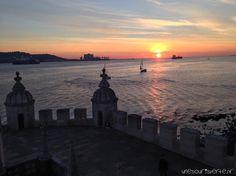 Lisbonne mon amour   via Souris verte blog   10/11/2014 Lisbonne, ville de caractère et riche en couleurs. Fado, Pastéis de Belém, Ginja et sardines millésimées, tous les bons plans pour découvrir la ville. #Portugal