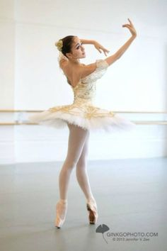 Ballerina Miko Fogarty - Paquita - Photo by Jennifer V. Zee