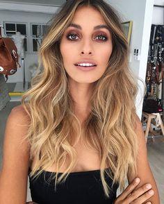 Yesterday's beauty @dominiquelissa for @vergegirl using @sachajuan_anz hair products + @narsissist Radiant Creamy Concealer + @katvondbeauty Eye Contour Palette + Everlasting Liquid Lipstick in Bow n Arrow ⚡️ #bts #vergegirl #pennyantuarmakeup #beauty #beachywaves #sachajuan #sachajuan_anz #nars #narscosmetics #katvond #katvondliquidlipstick #liquidlipstick #bownarrow #australianmakeupartist #brisbanemakeupartist #lovethisgirl