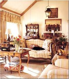 Exceptional diy french country decor are offered on our internet site. Country Dining Rooms, French Country Living Room, French Country Cottage, French Country Style, Cottage Farmhouse, Modern Country, English Country Decor, French Country Kitchens, French Country Decorating