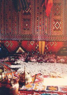 layering rugs morocco interior