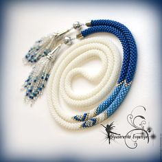 How to Make A Long Beaded Necklace at Home Bead Crochet Patterns, Bead Crochet Rope, Beaded Crochet, Handmade Beads, Handmade Jewelry, Collar Redondo, Beaded Jewelry, Beaded Bracelets, Necklaces