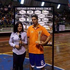 Yaret Gutiérrez Campeón de la Competencia Triples de la Copa Beraka