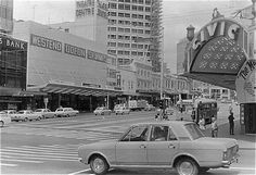 Intersection of Wellesley & Queen Streets, Nov 1971 Nz History, My Family History, New Zealand Houses, Auckland New Zealand, Old Images, What Is Like, Historical Photos, The Neighbourhood, Nostalgia