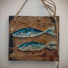 """Saraghine"" 🐟🐟🐟🌊 quadro a mosaico misure: 27x23cm.  #nonsolopesci #facebook #homify #mosaico #unique #pezzounico #design #oldwood #restaurantdecor #instagram #restaurantdesign #artista #art #poisson #pesci #scuba  #vintagestyle #Cesenatico #beachdesign #nautica #ocean #beautifuldecor #coastalstyle #homedecor #vscocam #rivieraadriatica #customdesign #homedesign  #madeinitaly"