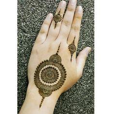 noozhat_henna's photo on Instagram henna pretty mehndi art bridal