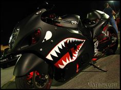 I like to call this the fighter pilot paint scheme on this Hayabusa pretty sick ! Hyabusa Motorcycle, Motorcycle Wear, Motorcycle Cover, Futuristic Motorcycle, Suzuki Motorcycle, Custom Street Bikes, Custom Sport Bikes, Motos Honda, Suzuki Hayabusa