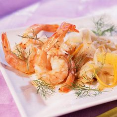 Découvrez la recette Crevettes sautées au fenouil sur cuisineactuelle.fr.