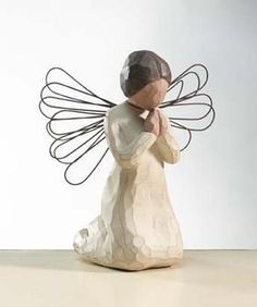 Angel of Prayer, Willow Tree® Angels by Demdaco are designed by Susan Lordi to express heartfelt sentiments Willow Tree Family, Willow Tree Figures, Willow Tree Nativity, Willow Tree Angels, Laura Lee, Christmas Border, I Believe In Angels, Planting Bulbs, Sculpting