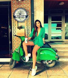 Piaggio Vespa, Lambretta Scooter, Scooter Motorcycle, Motorbike Girl, Vintage Vespa, Vespa Girl, Scooter Girl, Mod Scooter, Vespa Motor Scooters