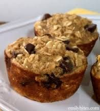 Banana Choc Chip Bakd Oatmeal Singles- 3 c. old-fash oats, 1/2 c. brwn sug, 2 tsp baking pwdr, 1/2 tsp s// 2 egg whs, 1 egg, 1 1/4 c. skim, 3/4 c. mshd banns, 1 tsp van extract, 3/4 c. semi-swt choc chips // 350°. Cooking spray 18 c. in muffin tin. Comb ... & s in bwl & stir 'til thoroughly mxd. In sep bwl, whisk tog ...& van. Add to dry ingrds & blend tog. Mix in choc chips. Spoon mixt into muffin c. Bake 18-22/'til lightly brwned...toothpick