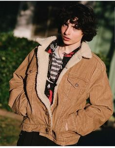 Find images and videos about it, stranger things and finn wolfhard on We Heart It - the app to get lost in what you love. Beautiful Boys, Pretty Boys, Cute Boys, Street Bob, Club Style, Dakota Johnson, Italian Street Style, Lp Laura Pergolizzi, Finn Stranger Things