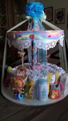 Frank showed baby shower diaper cake Find savings - Baby Distintivos Baby Shower, Regalo Baby Shower, Baby Shower Baskets, Baby Shower Crafts, Shower Bebe, Baby Shower Diapers, Floral Baby Shower, Baby Shower Activities, Baby Shower Nappy Cake