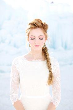 look downward, bride pose, winter wedding, bride
