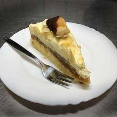 Selbstgemachte Haferflocken-Brötchen - Ideal zum Frühstück Eggnog Cake, Pudding Desserts, French Toast, Breakfast, Food Porn, Awesome, Pudding Pies, Oats Recipes, Brot