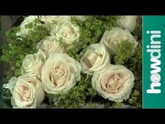 http://www.howdini.com/howdini-video-6672141.html Low floral centerpieces are the perfect tabletop decoration for a dinner party or luncheon. Your guests wil...