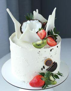 Easy Birthday Cake Recipes, Candy Birthday Cakes, Pretty Birthday Cakes, Pretty Cakes, Cake Decorating Techniques, Cake Decorating Tips, Cupcake Cakes, Cupcakes, Birthday Cake Decorating