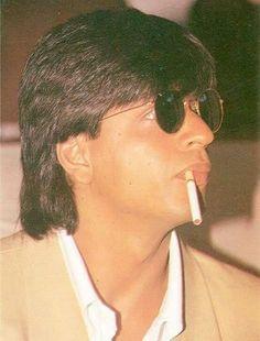 Shah Rukh Khan Quotes, Smoking Images, Kabir Khan, Srk Movies, Juhi Chawla, Smoke Pictures, Sr K, Joker Wallpapers, Arab Men