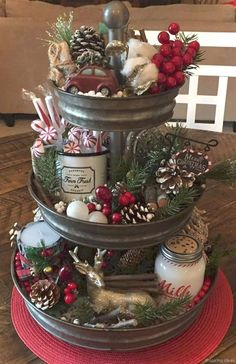 Beautiful, elegant and cozy Christmas centerpiece ideas to decorate your home for the holiday season. There are some DIY Christmas centerpiece options, and if you want to buy, there are some cheap options as well! A natural and beautiful addition to your Noel Christmas, Winter Christmas, Christmas Vignette, Christmas Porch, Christmas Items, Outdoor Christmas, Christmas Movies, Homemade Christmas, Christmas 2019