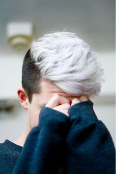 Bleached Hair for Males: Achieve the Platinum Blonde Appear | Men Hairstyles